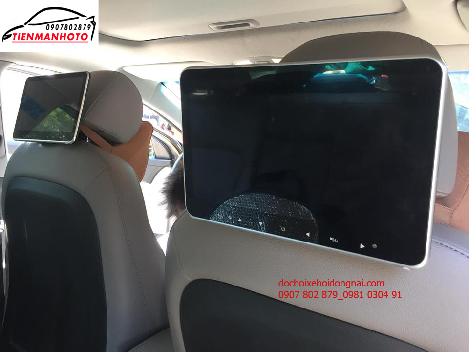 màn hình gối đầu ô tô